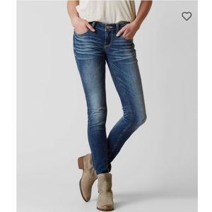 BUCKLE Stella Skinny Stretch Jean